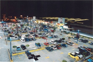 LED lights illuminating this Walmart parking lot in Guatemala City have cut energy needs by half. (Photo credit: Walmart)