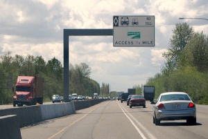 All clear: Motorists can now pay for access to many lanes once reserved for carpools. (Photo credit: WSDOT)
